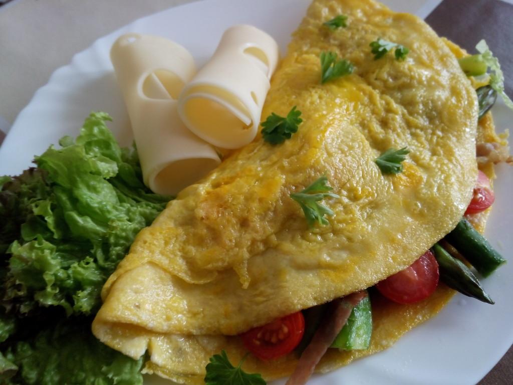 omeleta plnena sparglou
